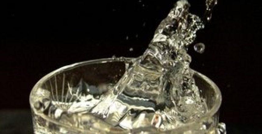 שתיית מים בדרך הנכונה